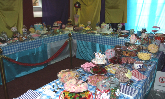 30' Mad Hatter's tea party sweets buffet for 1700 guests at the Keble Ball, Oxford University