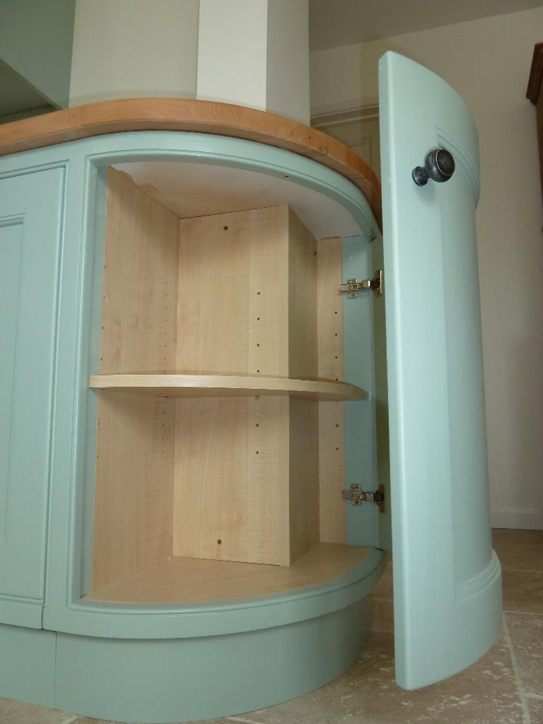 Gallery kitchens for Curved kitchen units uk