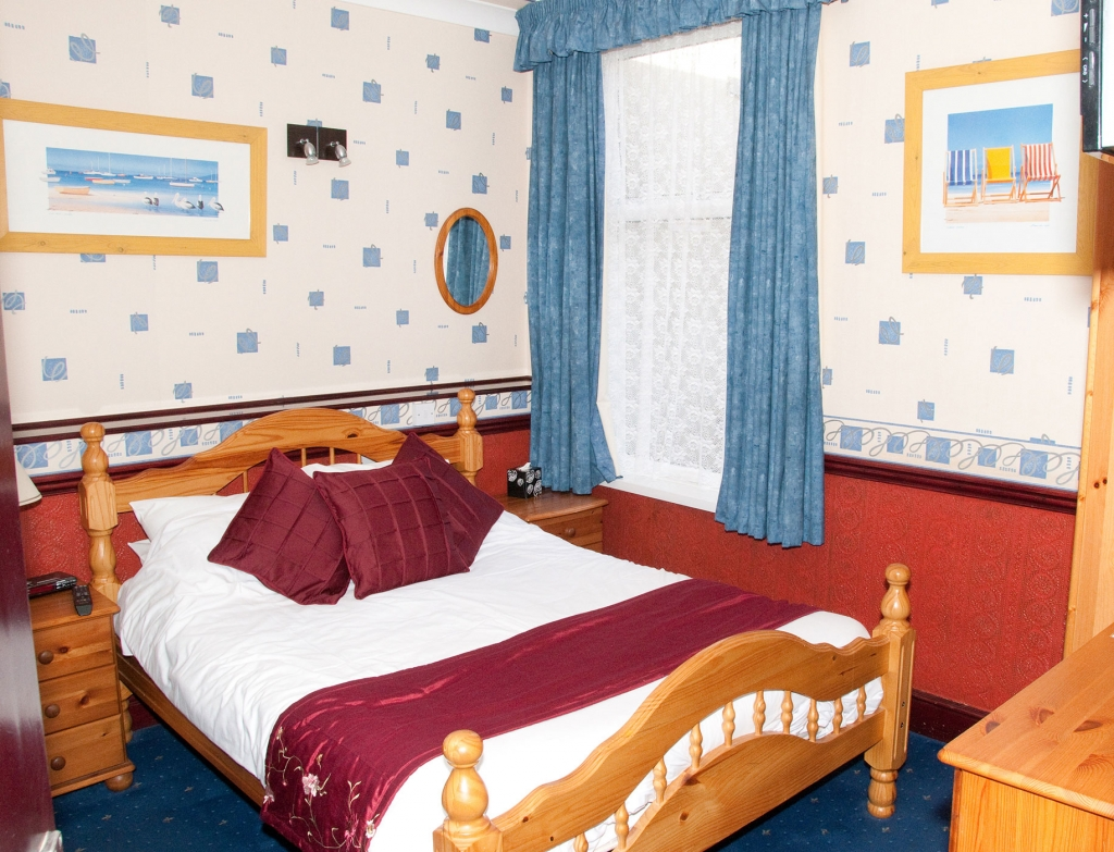 Cheap Bed And Breakfast With Twin Rooms In Blackpool