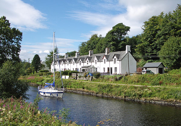 Cairnbaan Cottage, Crinan Canal, Cairnbaan, Argyll, Scotland.
