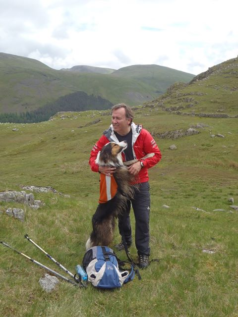 Searcdog Ted and Roger Pickup (Langdale Ambleside MRT)