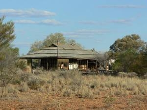 Last view of the old Telegraph Station, Mundiwindi